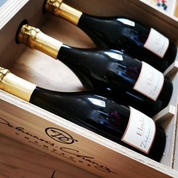 La petite dernière 😍 Cuvée Elodie - 100% vins de réserve - 100% pinot noir - Vieillissement foudre - Non dosé - Quantité limitée #champagnedelaunoischanez #rillylamontagne #champagne #vigneronsindependants #champagnedevignerons #hve #recoltantmanipulant #montagnedereims #champagnelover #pinotnoir #degenerationengeneration